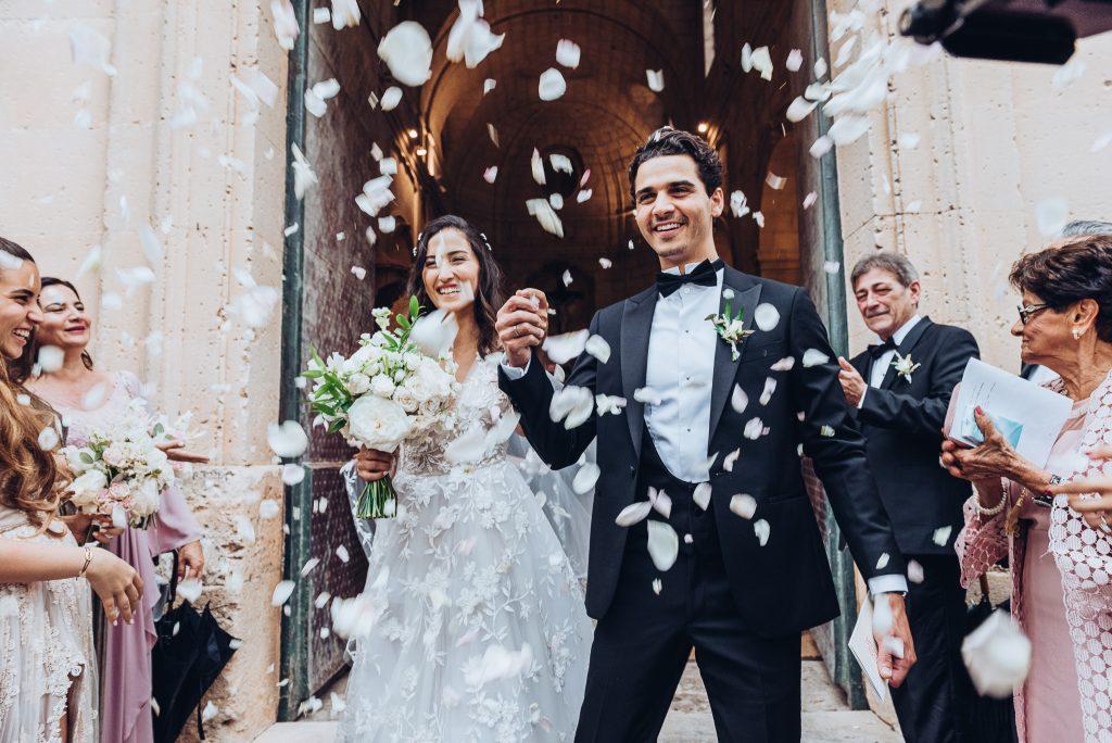 Mini-mony, micro-wedding, destination wedding… all different, all unique. Vocabulary time!